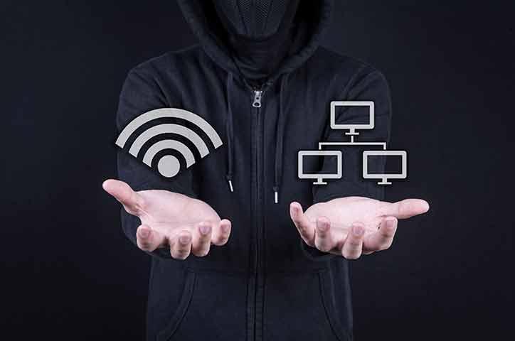 スマホ 感染経路 Wi-Fi