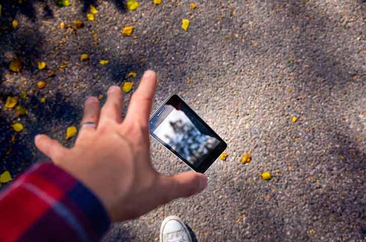 iPhone 12 mini 耐落下性能